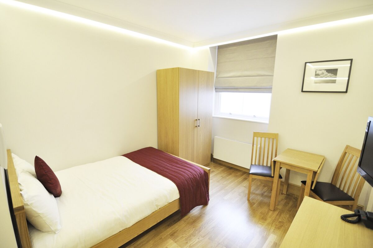 Charming Double Bedroom En Suite In A Two Bedroom Property Rent Private